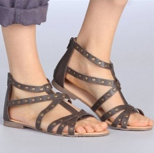chaussures ouvertes pieds larges. Black Bedroom Furniture Sets. Home Design Ideas