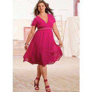on craque pour cette sublime robe disponible en rose acidul ou noir pour un effet glamrock une robe en voile irrsistible au dcollet crois - Robe Habille Pour Mariage Grande Taille