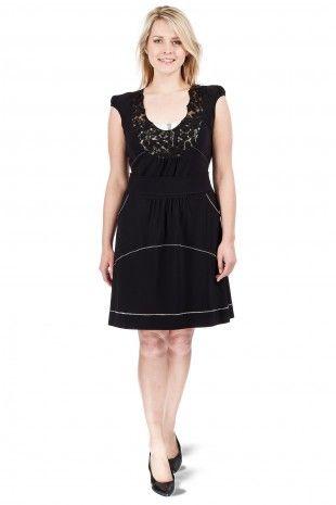 trouvez la parfaite petite robe noire grande taille aux soldes. Black Bedroom Furniture Sets. Home Design Ideas