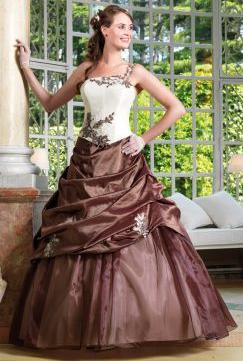 Conseil mode : 4 styles de robe de mariée grande taille pour être ...