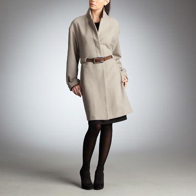 le style city chic avec un manteau grande taille femme. Black Bedroom Furniture Sets. Home Design Ideas