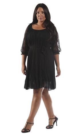 avez vous votre robe du soir grande taille pour les f tes de fin d ann e notre top 3 chez. Black Bedroom Furniture Sets. Home Design Ideas