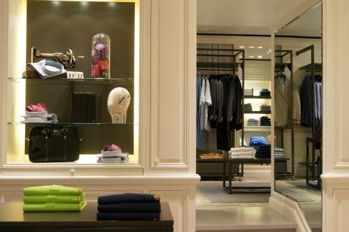 498dd268f4a32f Capelstore a à coeur de transformer la notion d achat utile des personnes grandes  tailles en achat plaisir. Rendez-vous dans la nouvelle boutique, ...