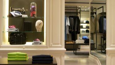 8a0d45252f13 Capelstore, l enseigne dédiée à l homme chic, grand et fort, ouvre sa 3eme  boutique grande taille à Paris, à deux pas du jardin du Luxembourg.