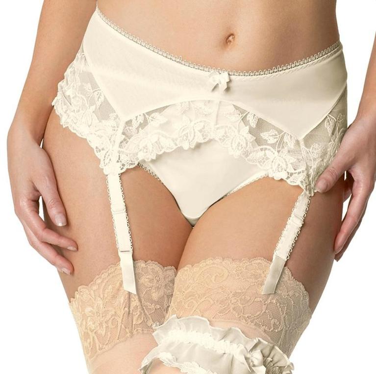 lingerie de mariage grande taille - Guepiere Mariage Grande Taille