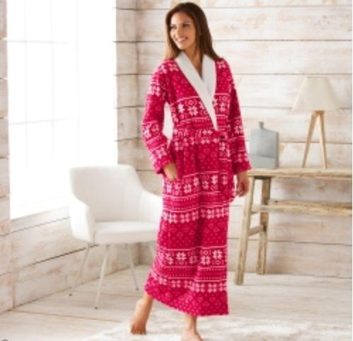 Les robes de chambre chaudes en grande taille loin d 39 tre ringardes - Robe de chambre femme leclerc ...