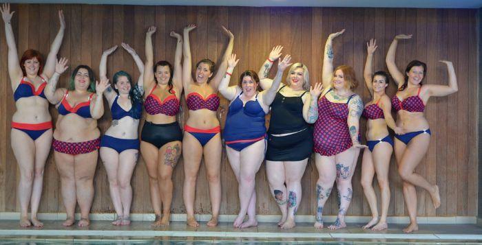 femmes rondes en maillot de bain
