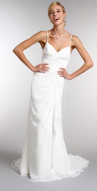 Robe de mariée grande taille soldée : le bon plan