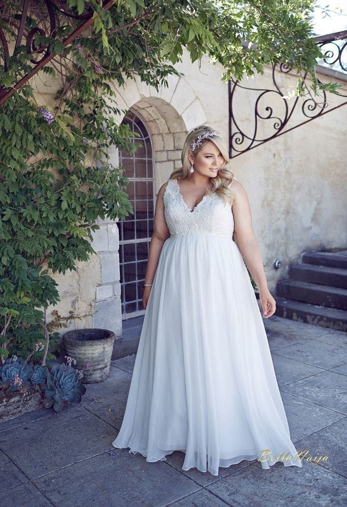 Paris wedding dresses gown and dress gallery for Robe housse grande taille