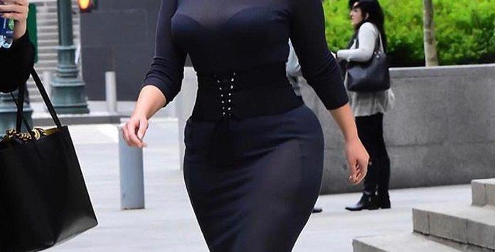 Osez marquer votre taille avec une ceinture corset ce019360576