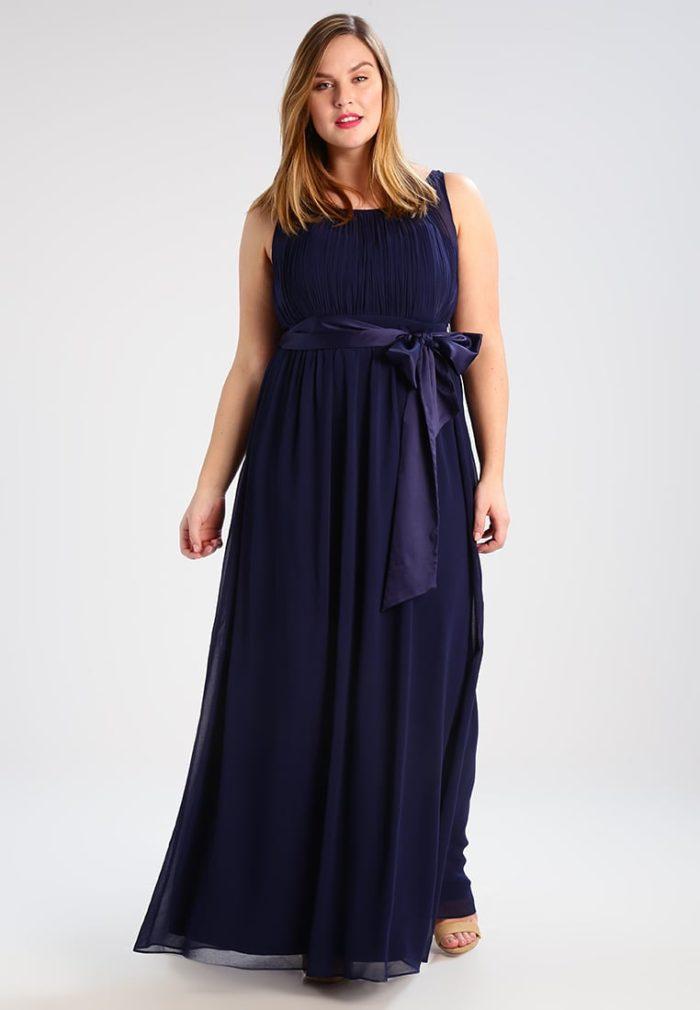 robe de soir e grande taille pour l 39 hiver une s lection. Black Bedroom Furniture Sets. Home Design Ideas