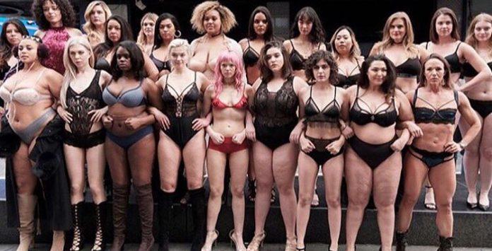 TheRealCatwalk   pourquoi des femmes rondes en lingerie défilent à ... e719a17d911