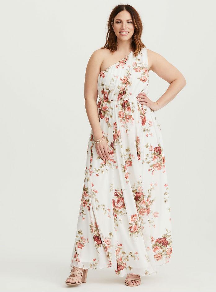 Robe grande taille chic pour un mariage notre top 10 for Quoi porter sur une robe maxi pour un mariage