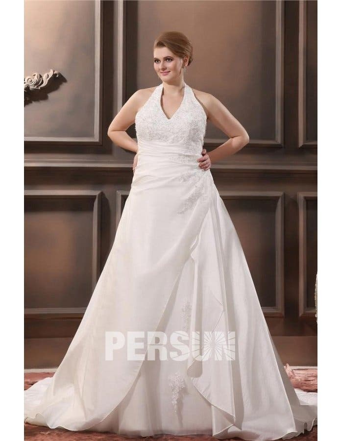 c5f45051d03 Cette robe est parfaite si tu as des épaules menues et du ventre. L effet  noué dans le cou va te donner plus de carrure tandis que le drapé  camouflera ton ...